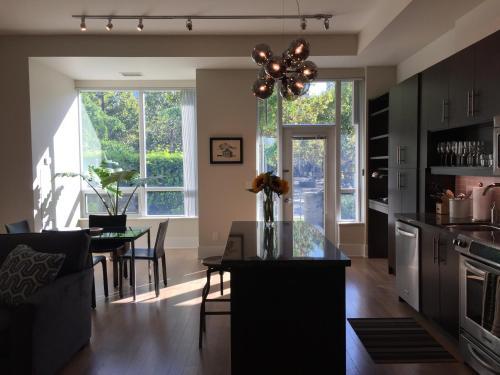 Garden Terrace Suite - Toronto, ON M4Y 2J3
