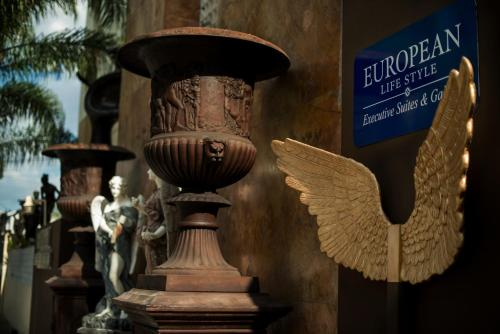 European Life Style Executive Suites Photo
