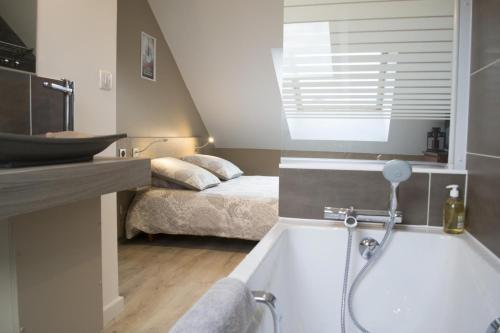 AppartementCom  Chambre DHtes  Rue Bourbon