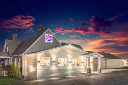 Knights Inn & Suites Salem Photo