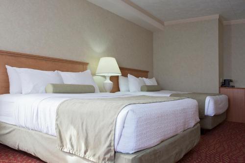 Best Western Inn On The Bay - Owen Sound, ON N4K 5R1