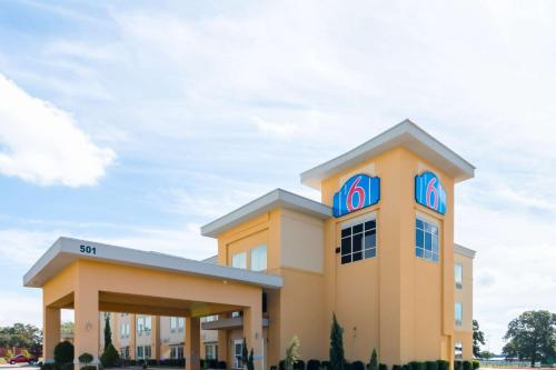 Motel 6 Joshua - Joshua, TX 76058