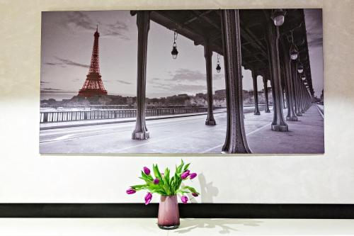 Modern Hotel photo 19