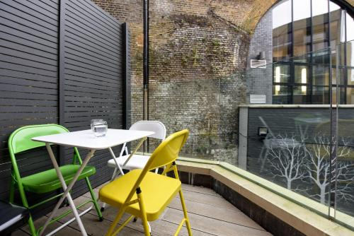 Loft Style 2 Bed Flat a London