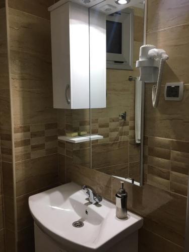 https://q-xx.bstatic.com/images/hotel/max500/881/88103183.jpg
