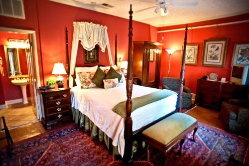 Savannah Bed & Breakfast Inn - Savannah, GA 31401