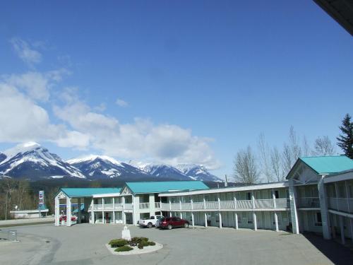 Ponderosa Motor Inn Photo