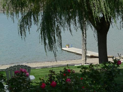 Lakeside Country Inn - Savona, BC V0K 2J0