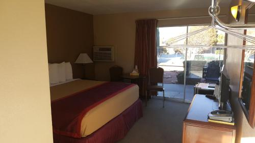 Page Boy Motel Photo