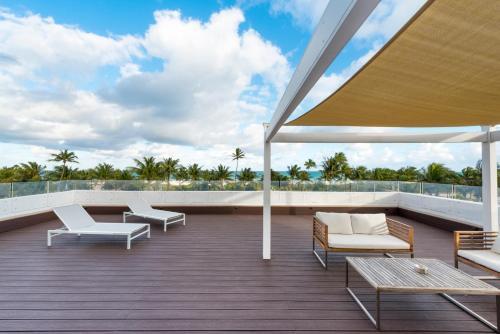 Penguin Hotel Miami Beach