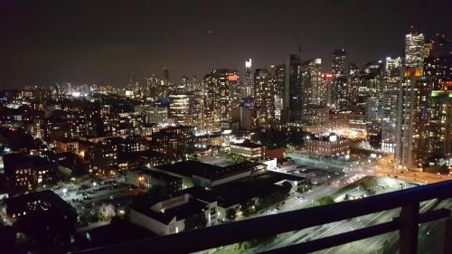 Applewood Suites - 1 Bdrm+den Entertainment District - Toronto, ON M5V 4B3