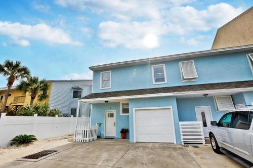 Beachside West Townhome - Panama City Beach, FL 32413