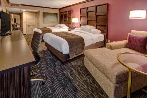 DoubleTree by Hilton Decatur Riverfront Photo