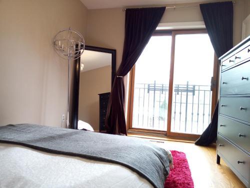 Elegant 4 Bedroom House At Yonge & Sheppard - North York, ON M2N 1L2