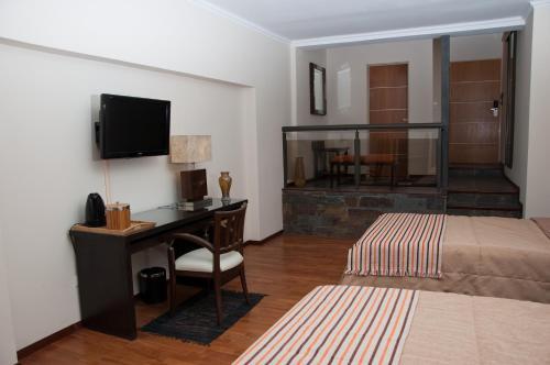 Tagore Suites Hotel Photo