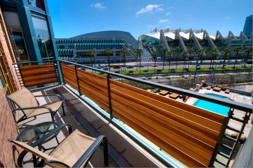 Hilton San Diego Gaslamp Quarter Photo
