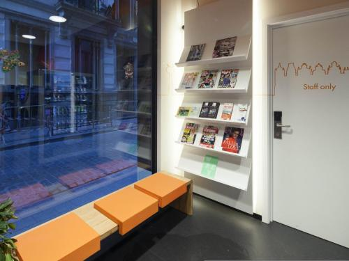 easyHotel Brussels City Centre photo 124