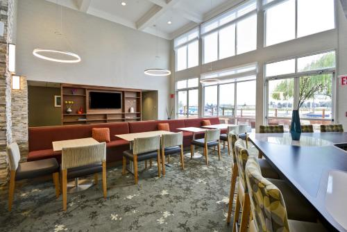 Homewood Suites by Hilton - Oakland Waterfront Photo