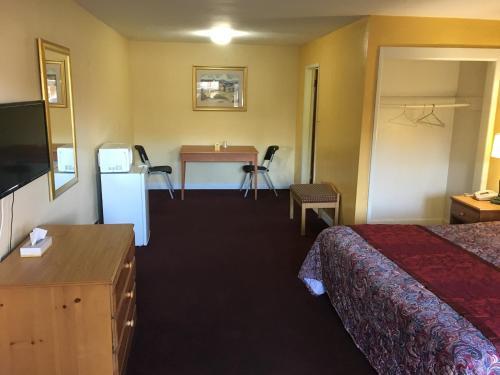 Midway Inn & Suites - Oak Lawn, IL 60453