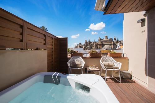 Deluxe Room with Terrace and Jacuzzi® Hotel Casa 1800 Sevilla 2