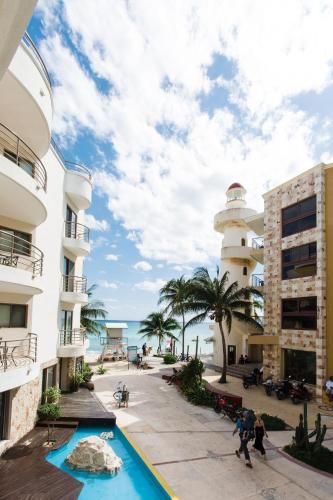Corto Maltes 2 Bedroom Ocean Front Condo in Downtown Photo