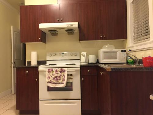 Two Bedroom Suite With Kitchen - Richmond, BC V7A 1E8