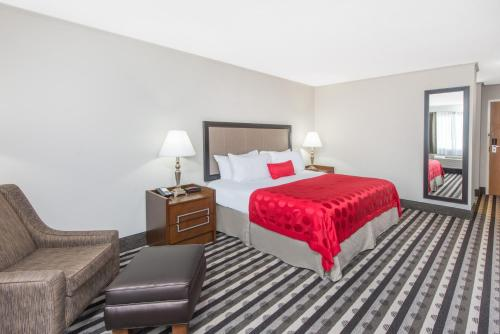 Ramada Springfield North Photo