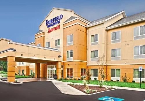 Fairfield Inn & Suites Harrisburg West/new Cumberland - New Cumberland, PA 17070