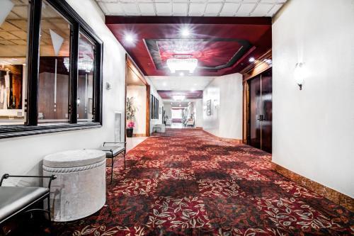 Ramada Plaza Hotel Atlanta Airport Photo