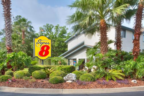 Super 8 Gainesville Photo