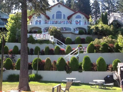 Inn At The Lake - Newport, WA 99156