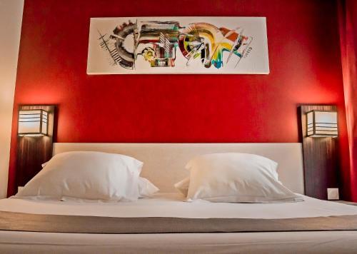 Inter-Hotel Carcassonne photo 24