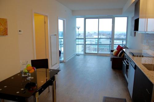 Shops At Don Mills Furnished Apartments - North York, ON M3C 9G1