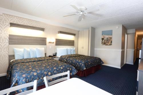Adventurer Oceanfront Inn Photo