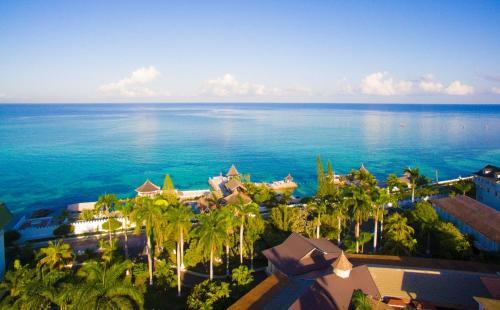 SeaGarden Beach Resort All Inclusive