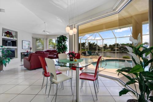 Villa Sunshine - Cape Coral, FL 33914
