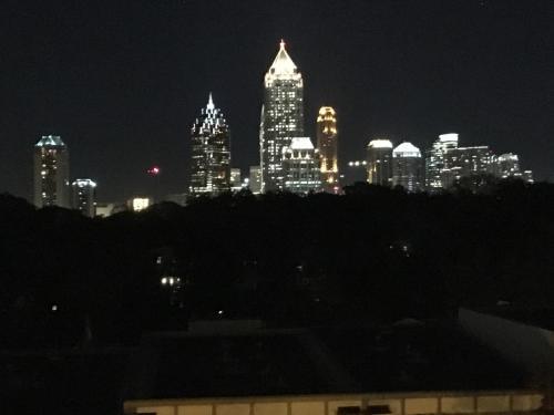 Atlanta Luxury Suite - Atlanta, GA 30363