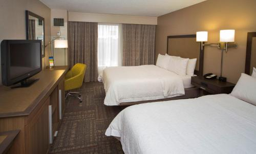 Hampton Inn & Suites Valdosta/conference Center - Valdosta, GA 31601