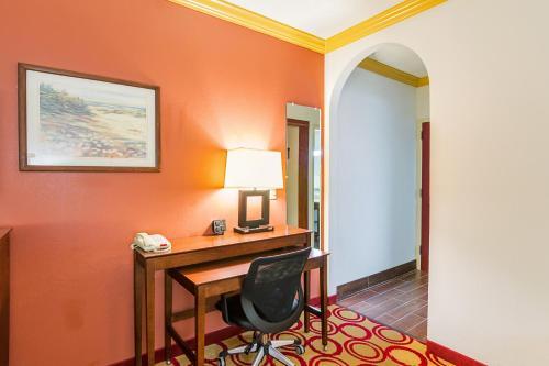Comfort Suites Lubbock Photo