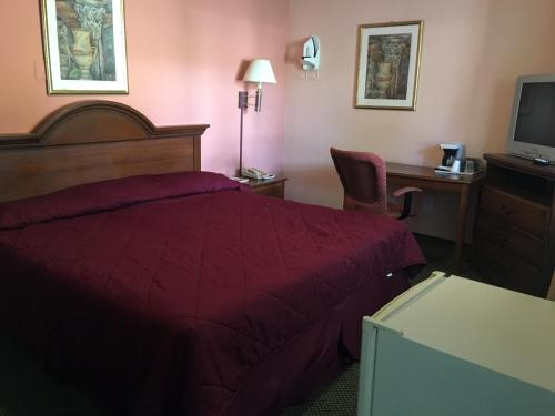 Red Carpet Inn & Suites New Milford - New Milford, CT 06776