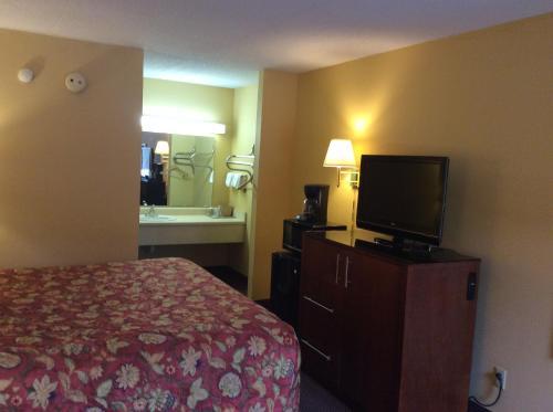 Americas Best Inn & Suites York - York, AL 36925