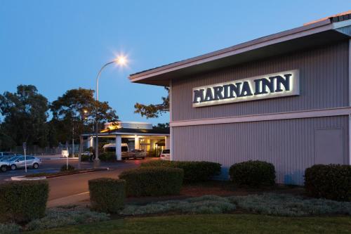 The Marina Inn on San Francisco Bay Photo
