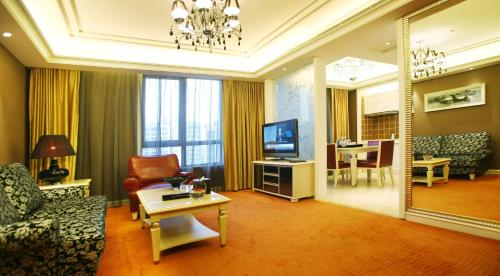 Wealthy All Suite Hotel Suzhou photo 12