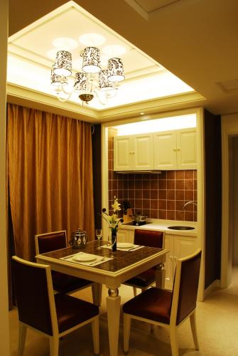 Wealthy All Suite Hotel Suzhou photo 17