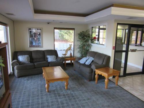 Royal Inn & Suite- Jonesboro