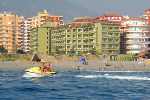 Mahmutlar Sunstar Beach Hotel tek gece fiyat