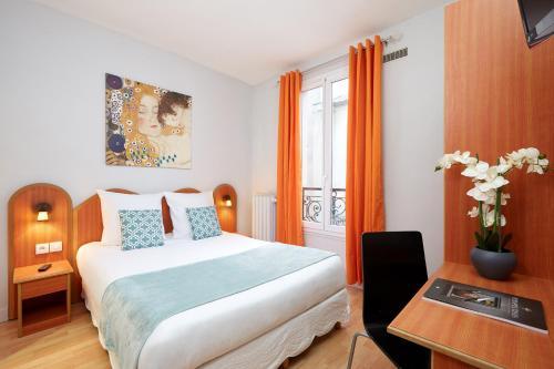 H tel viator h tel 61 rue des moines 75017 paris for Hotels 75017