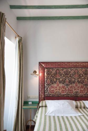 Habitación Doble Clásica con bañera de hidromasaje - 1 o 2 camas - Uso individual Las Casas de la Judería de Córdoba 11