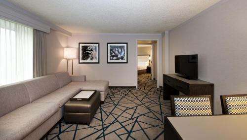 Emby Suites By Hilton Portland Washington Square Hotel Tigard