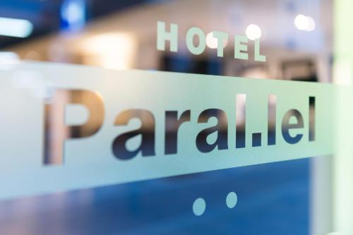 Paral·lel photo 50